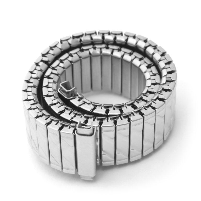 Металлический браслет-резинка для часов